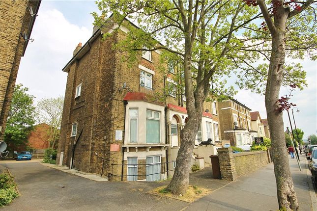 Picture No. 29 of Oliver Grove, South Norwood, London SE25