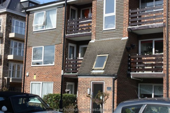 2 bed flat for sale in Freshfield Drive, Southgate, London
