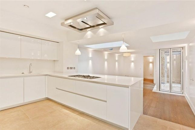 Thumbnail Property to rent in Park Crescent Mews West, London