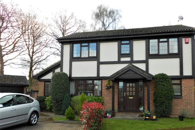Thumbnail Detached house to rent in Horndean Close, Crawley