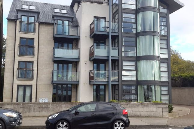 Thumbnail Flat to rent in Beach Crescent, Broughty Ferry, Dundee