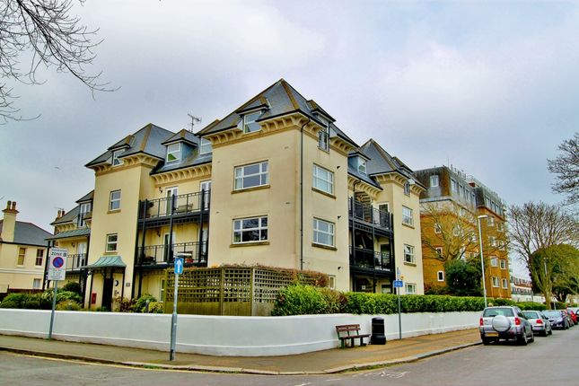 Thumbnail Flat to rent in Tennyson Road, Worthing