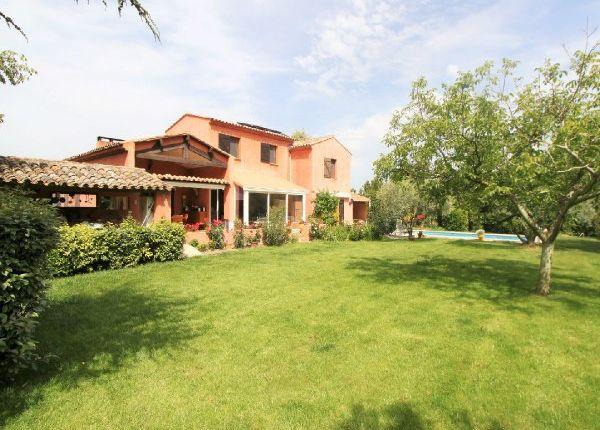 properties for sale in guilles aix en provence sud ouest. Black Bedroom Furniture Sets. Home Design Ideas