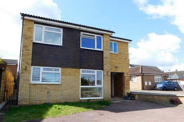 Thumbnail Detached house for sale in High Street, Stotfold, Herts