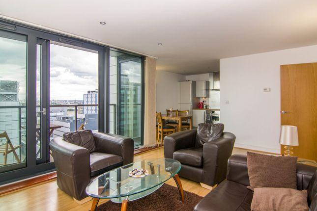 Thumbnail Flat to rent in Blackwall Way, Canary Wharf