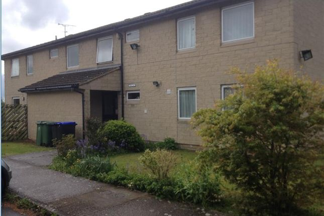 Thumbnail Flat to rent in Stonefiel Close, Bradford On Avon, Wiltshire