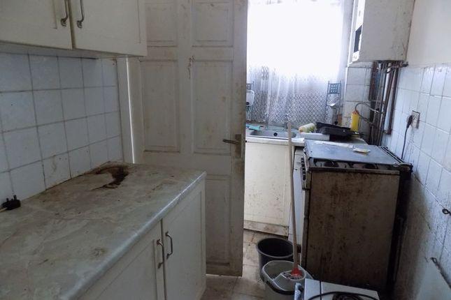 Kitchen of Green Lane, Legrams Lane, Great Horton, Bradford BD7