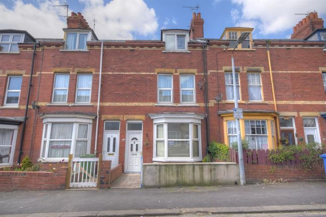 Thumbnail Terraced house for sale in Clarence Avenue, Bridlington