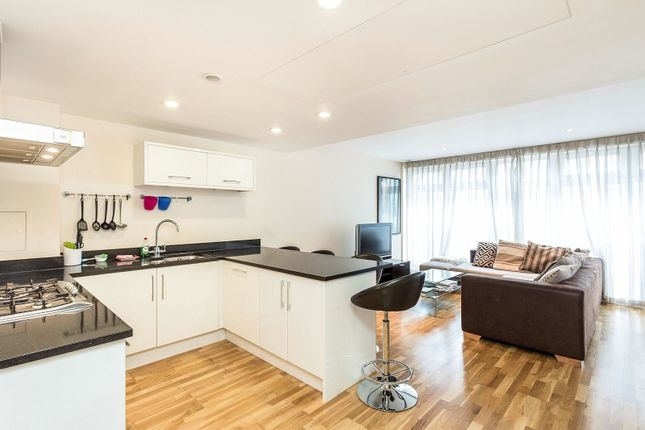 2 bed flat to rent in Moreton Street, Pimlico