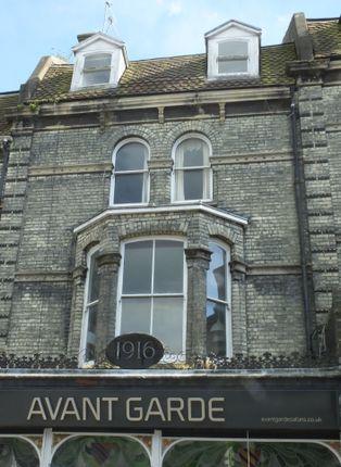 Thumbnail Flat to rent in High Street, Lewe