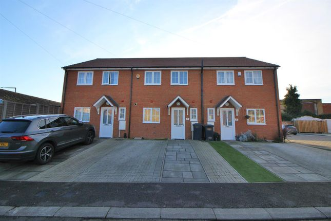 Thumbnail Terraced house for sale in Wycliffe Close, Cheshunt, Waltham Cross