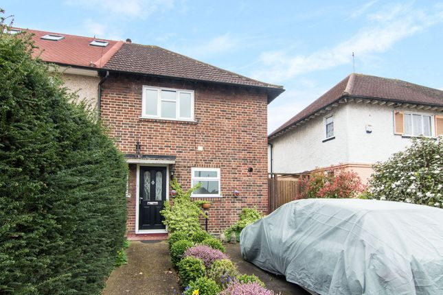 3 bed property for sale in Mount Pleasant Road, New Malden