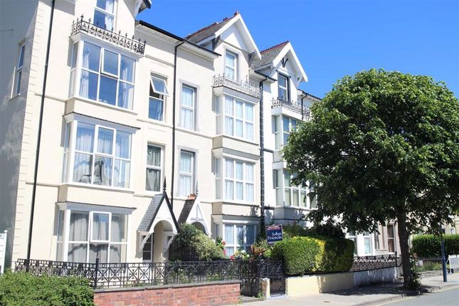 Thumbnail Terraced house for sale in Queens Road, Aberystwyth