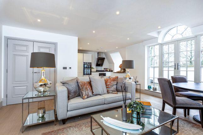 Thumbnail Flat to rent in Ridgewood, Brooklands Road, Weybridge, Surrey