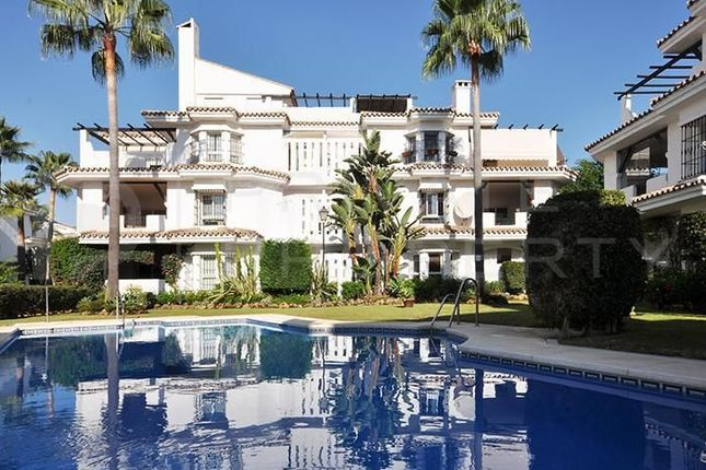 2 bed apartment for sale in Nueva Andalucia, Marbella, Málaga, Spain