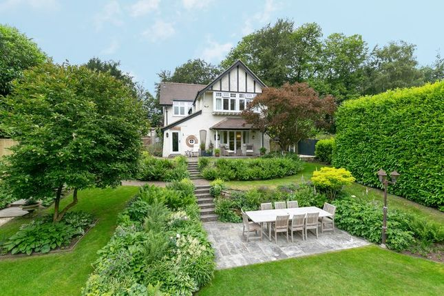 Thumbnail Detached house for sale in Turners Hill Road, East Grinstead, West Sussex