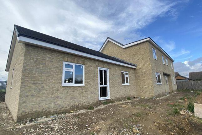 Thumbnail Detached bungalow for sale in Mill House Lane, Winterton, Scunthorpe