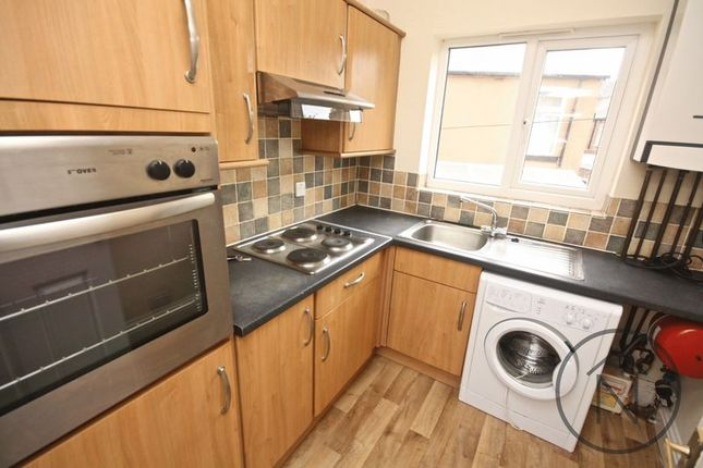 Thumbnail Flat to rent in Victoria Road, Darlington