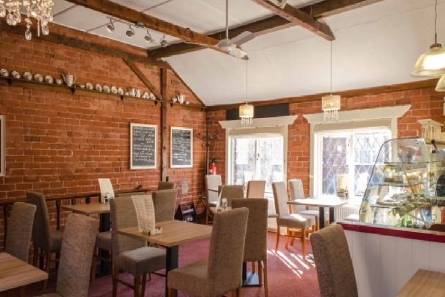 Thumbnail Restaurant/cafe for sale in Clifton Street, Lytham