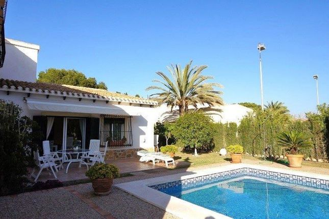 Thumbnail Villa for sale in Cabo Roig, Orihuela Costa, Spain