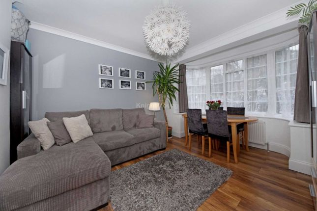 2 bed flat to rent in Hanger Lane, London