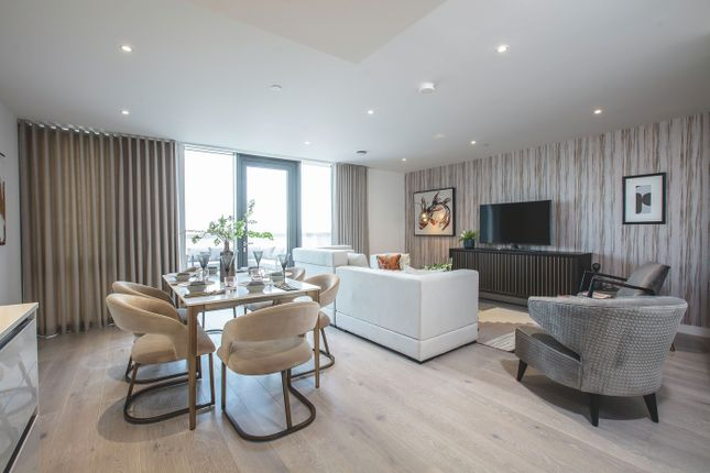 2 bed flat for sale in Brentmead Gardens, Park Royal NW10