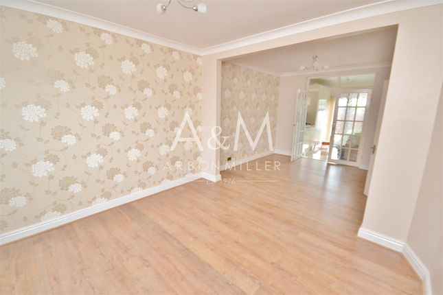 Thumbnail Property to rent in Newcastle Avenue, Ilford