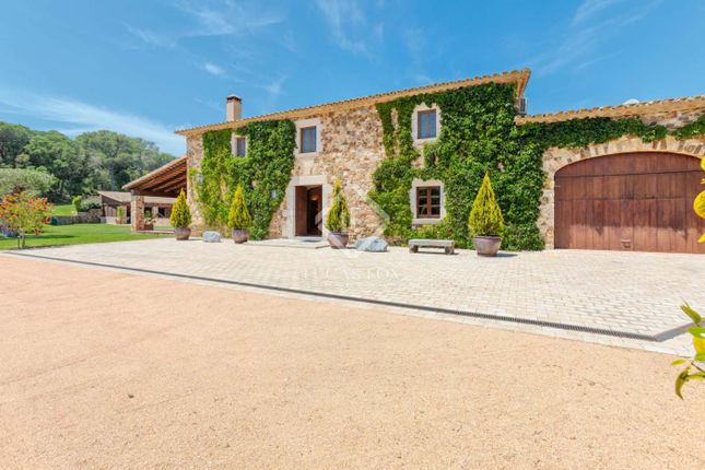 Thumbnail Country house for sale in Spain, Girona (Inland Costa Brava), Baix Empordà, Cbr11393