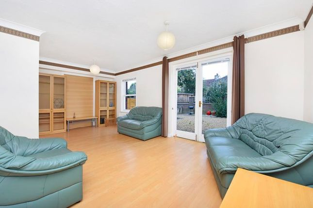 Thumbnail Flat to rent in Lockesfield Place, Canary Wharf