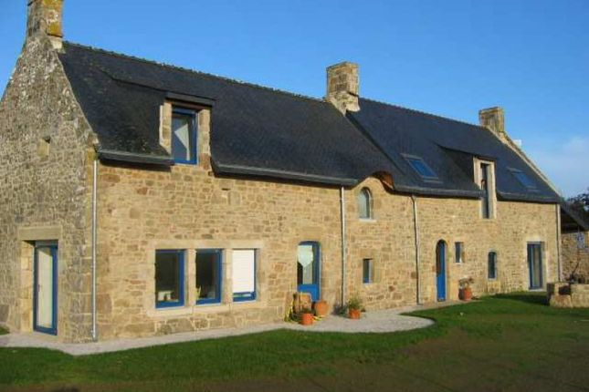4 bed longère for sale in Locoal-Mendon, Bretagne, 56550, France