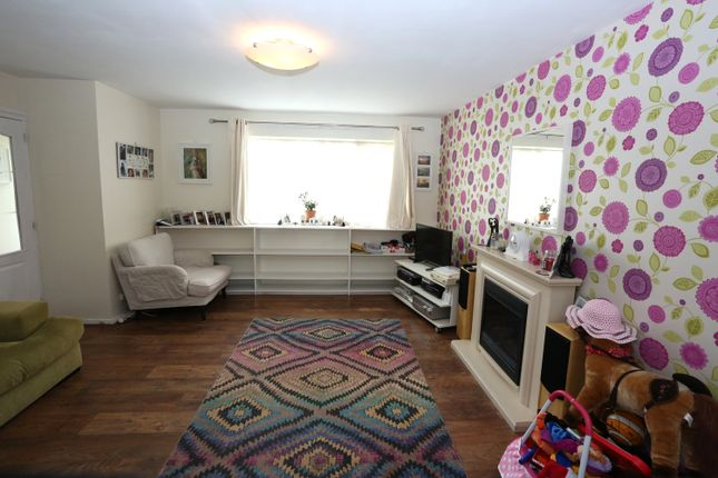 Thumbnail Terraced house for sale in Beecham Walk, Stratford-Upon-Avon