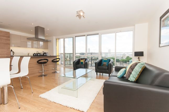3 bed flat to rent in Panoramic Tower, Hay Currie Street, Poplar E14