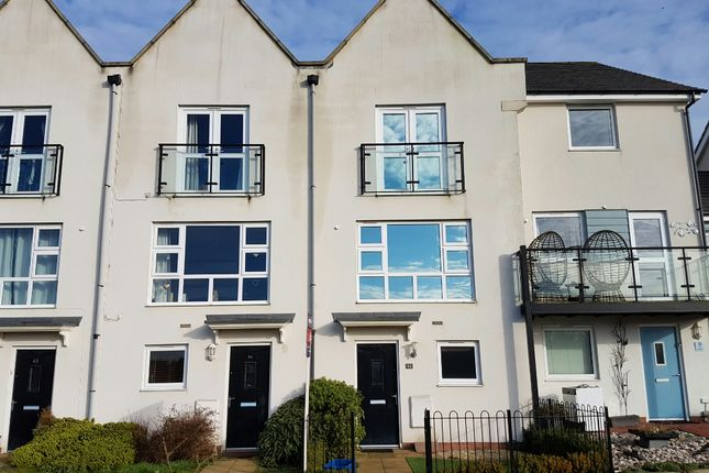 Thumbnail Town house to rent in Skye Cresent, Newton Leys, Bletchley