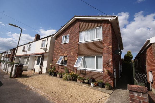 Thumbnail Flat for sale in Seymour Road, Lee On The Solent