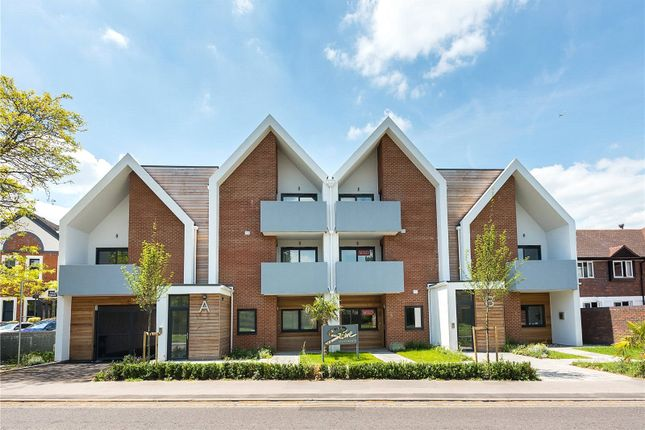 Thumbnail Flat for sale in 8 Stowe Apartments, Station Road, Bourne End, Buckinghamshire