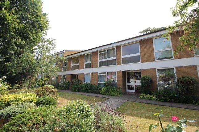 Flat in  Brambledown Road  Wallington  Greater London