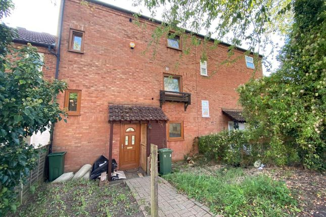 Thumbnail Town house to rent in Glazier Drive, Neath Hill, Milton Keynes
