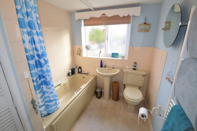 Bathroom of Rushgreen Road, Lymm WA13