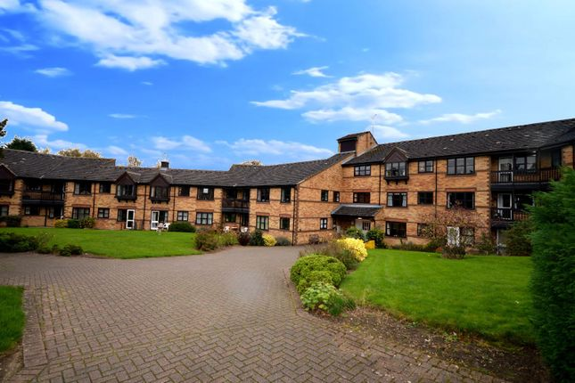 Thumbnail Flat for sale in Stoneycroft, Stoneygate, Leicester