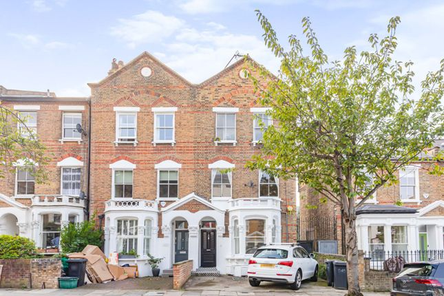 3 bed flat for sale in Highbury Hill, London N5