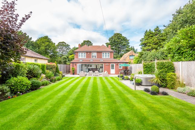 Detached house for sale in 166 Thorne Road, Edenthorpe, Doncaster