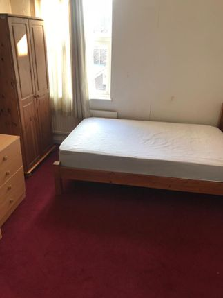 Thumbnail Flat to rent in College Road, Stoke On Trent
