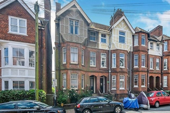 Thumbnail Terraced house for sale in Lime Hill Road, Tunbridge Wells