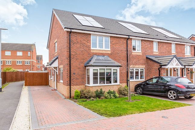 3 bed terraced house for sale in St. Francis Close, Hinckley