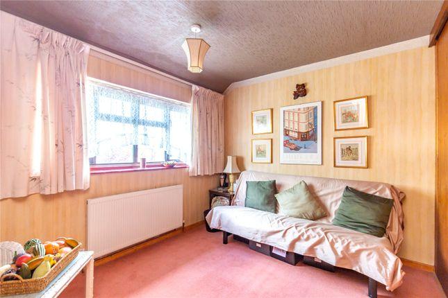 Picture No. 04 of Homestead Way, New Addington, Croydon, Surrey CR0