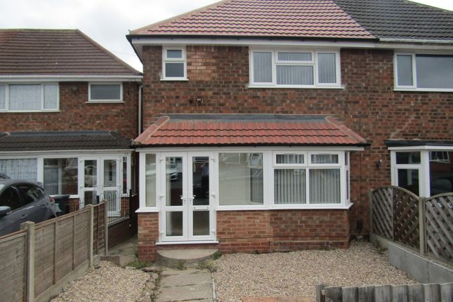 Room to rent in Scott Road, Solihull, West Midlands B92