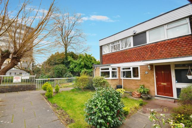 Thumbnail Property to rent in Lakeside, Ealing, London