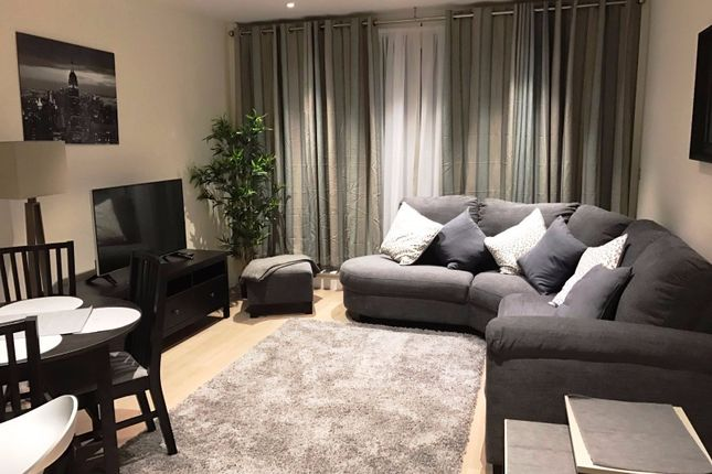 Flat to rent in Sopwith Way, London