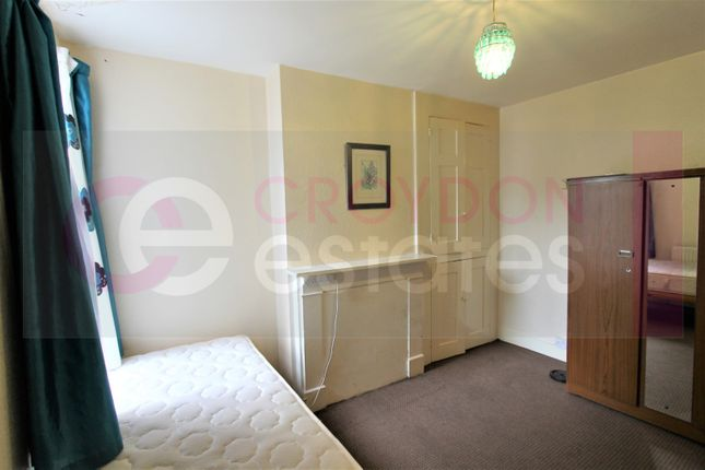 Room to rent in Parsons Mead, Croydon