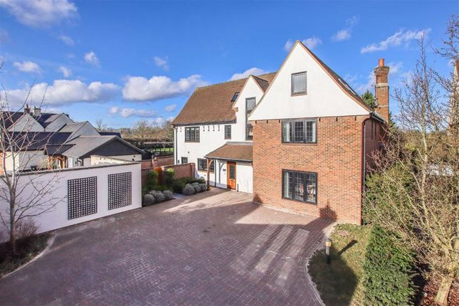 Potters Wood Close, Potters Green, Hertfordshire SG12